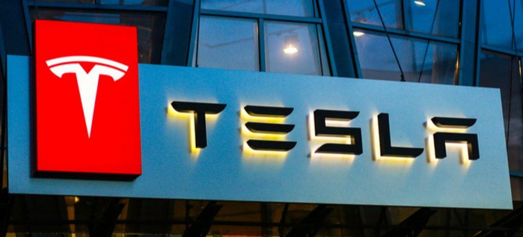 """Tesla aceitará pagamentos em criptomoeda """"num futuro próximo"""""""
